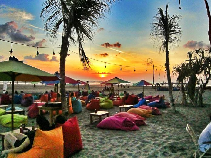 The Sand are every bit as wonderful as they are from any of the island's most upscale establishments. Image: www.facebook.com/thesandbeachbar