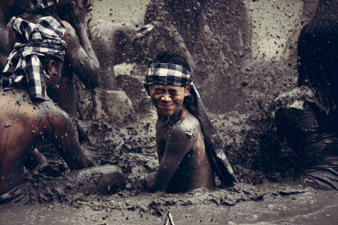 Some activities – such as Mepantigan mud wrestling – combine culture and adrenaline. Image: www.facebook.com/mepantiganbali