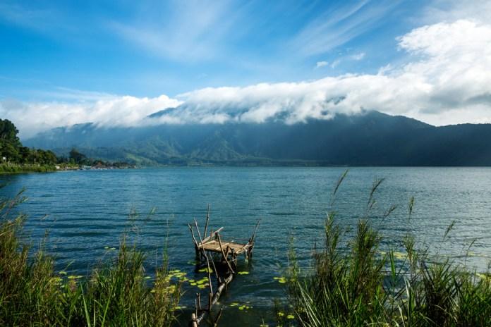 lake Danau Temblingan