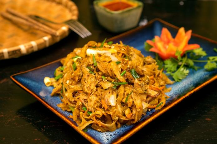 Start your Sri Lanka healthy street food adventure with kottu