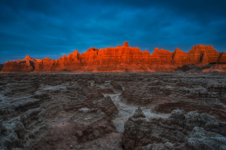 sunrise-badlands-south-dakota