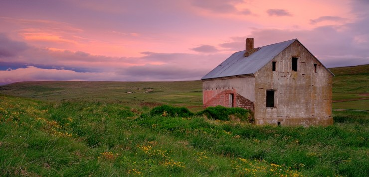 Abandon-Farm-House-Laugar-Rueb-Iceland-Book