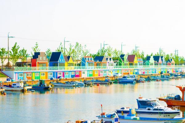【韓國景點】不需要到威尼斯彩色島 釜山最新彩色小屋 | U Travel 旅遊資訊網站
