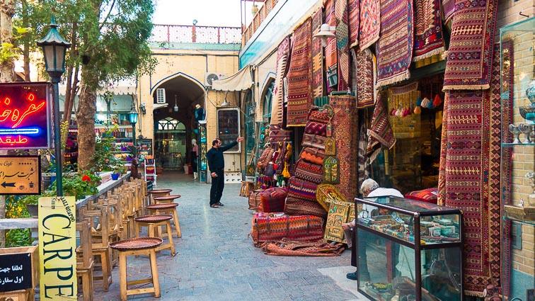 Laws in Iran. Shop in Esfahan