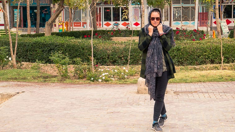 Appropriate clothing in Iran. What to wear in Iran. Kirsten in Varzaneh