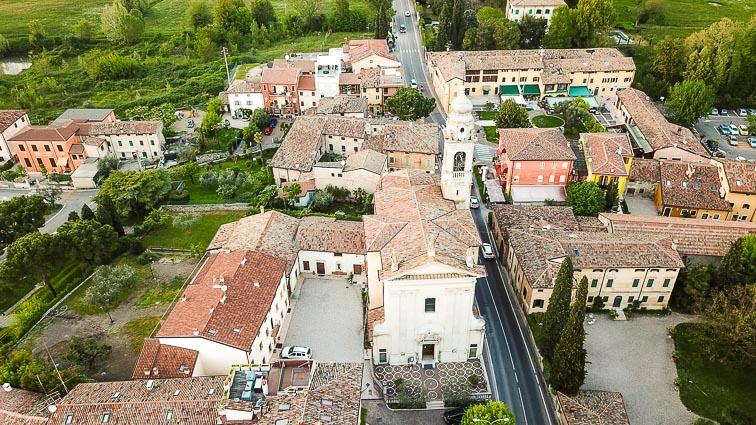 The church of Pacengo. Things to do around Lake Garda