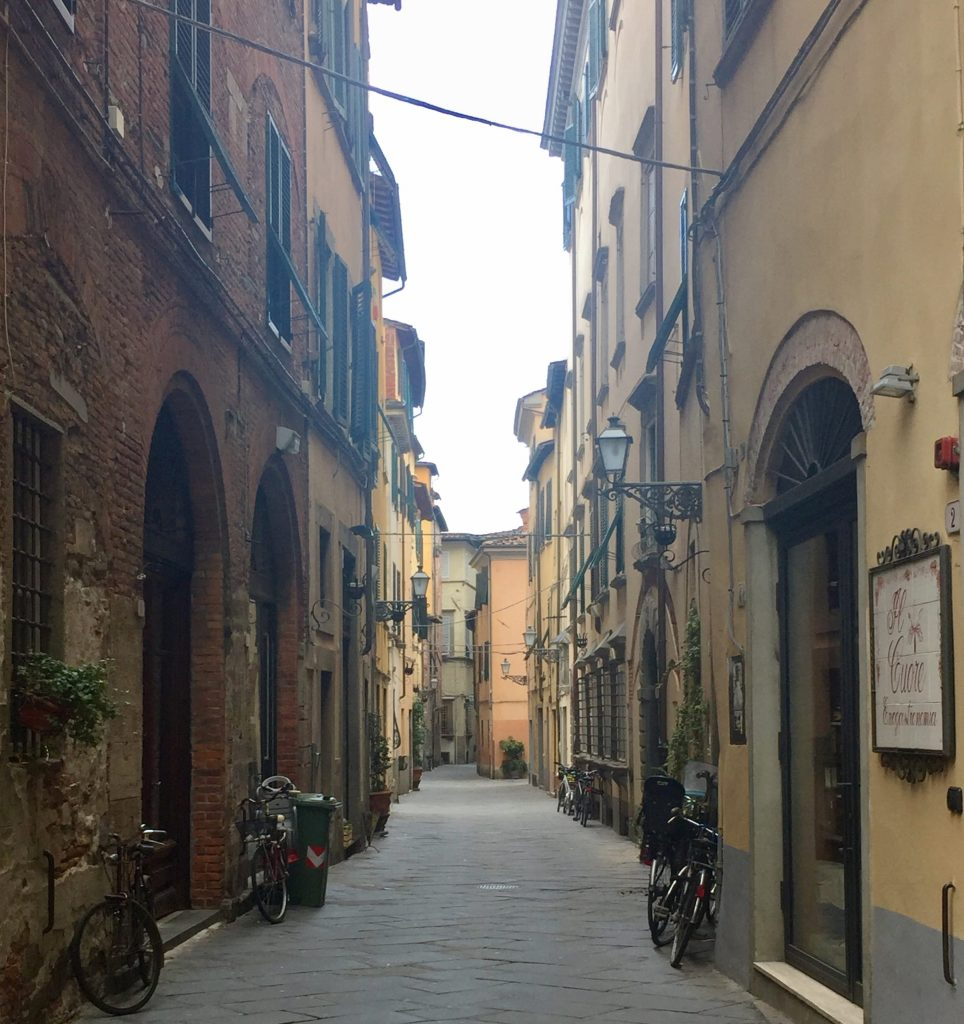 small street in Lucca