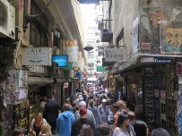 Lunch time in a laneway