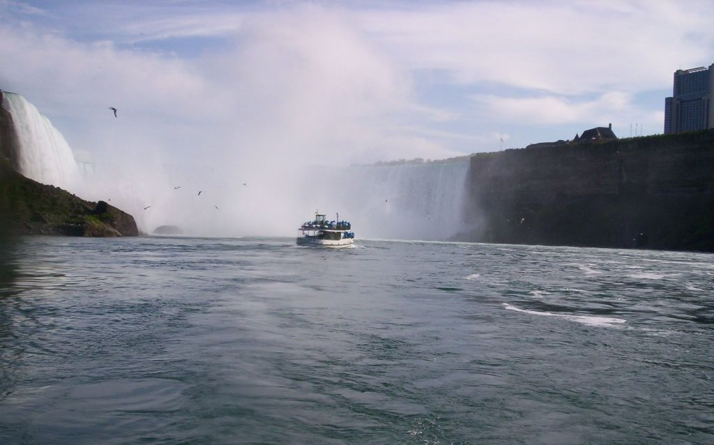 Niagara Falls, Maid of the Mist, Canada, travelling