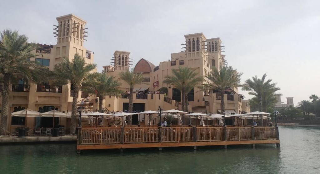 Souk Madinat Jumeirah, pond, bazzar