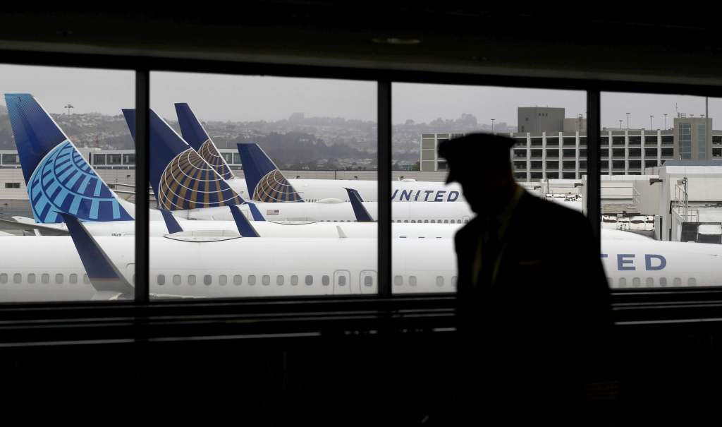 United, pilots agree on schedule reductions to avoid nearly 3,000 furloughs