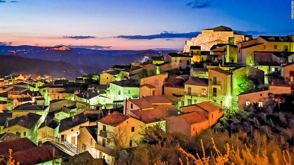 Italian town sells €1 houses with no deposit required