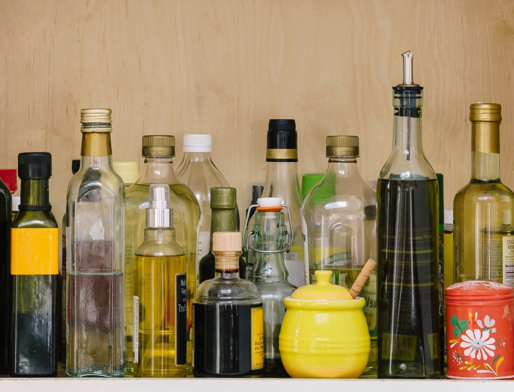 The Pocket Guide to Vinegars and Their Many Uses