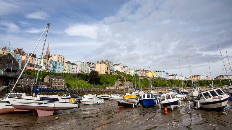 Self catering accomodation overlooking the sea in Tenby, Pembrokeshire in Wales.
