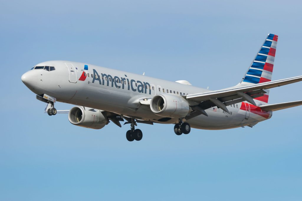 American Airlines to use nonunion pilots for some test flights, drawing criticism