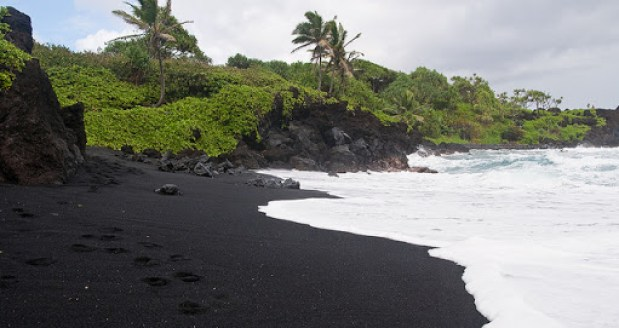 Why is there black sand in Big Island Hawaii