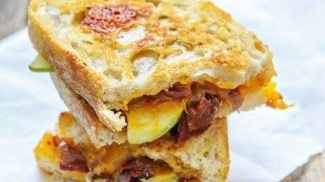 Camping Food Ideas Apple Bacon Cheddar with Grilled Cheese