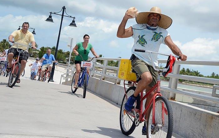 Lloyd's Tropical Bike Tour