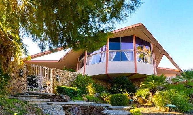 Elvis Honeymoon Hideaway Palm Springs