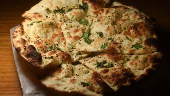 Garlic Naan | 7 Vegetarian Indian food