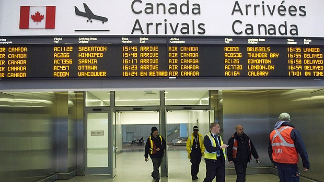 Aankomst op Toronto Pearson International Airport