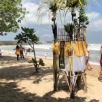 Offertempeltje op Kuta Beach