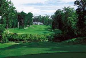 ClubHouseViewGreenCourse