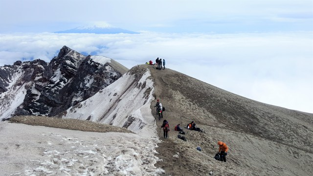 Mount St. Helens Summit - Hiking with Family