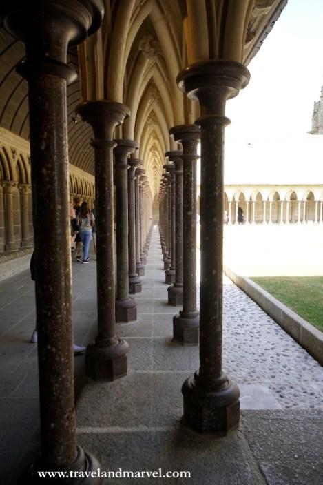 chiostro abbazia saint michel