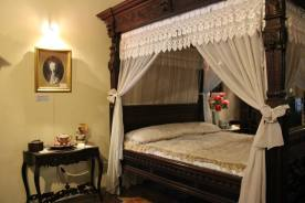 Ruang tidur di Rumah Tjong A Fie