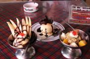 Aneka es krim di Restoran Tip Top