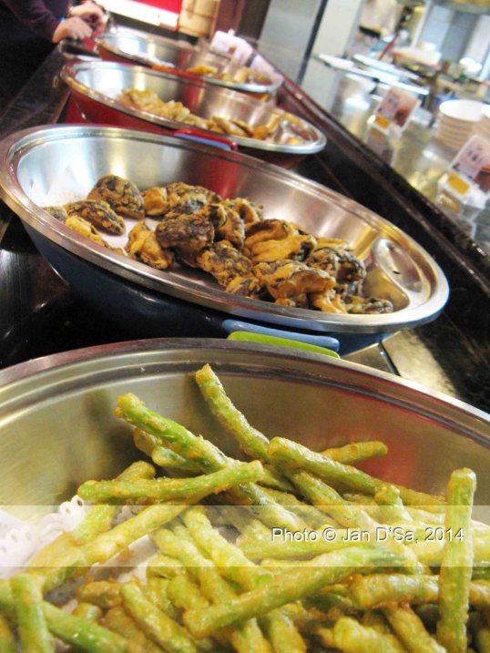 Vegetable tempura treats