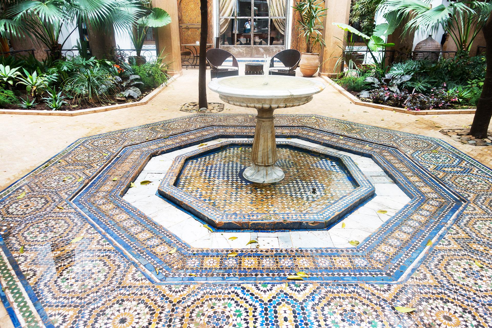 Riad Laaroussa's courtyard.