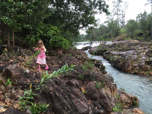 Belice con los niños - Explorando a lo largo del río en Blancaneaux Lodge