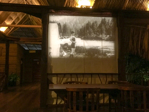 Belice con los niños - Silent Movie Night en el Turtle Inn.