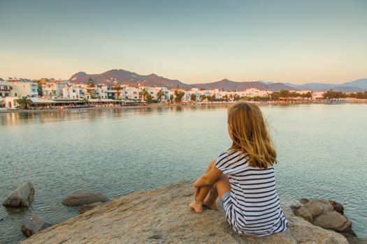 Grecia con niños: Con vistas a la playa de San Jorge en Naxos