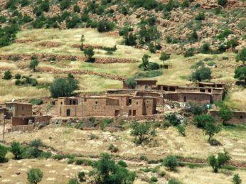 Sat berber în zonă rurală