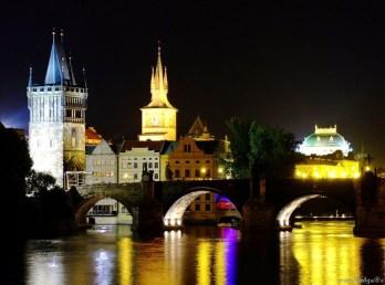 Podul Carol în fapt de seară