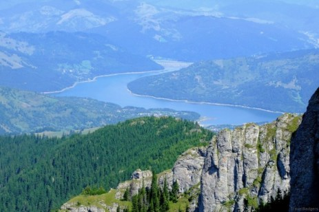 Vedere spre Izvorul Muntelui