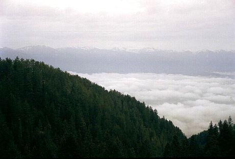 În zare se văd Munții Rila