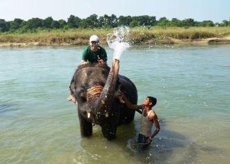 Baie cu elefanţii
