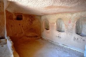 Camera pentru animale, se pot vedea locurile unde li se dădea fânul