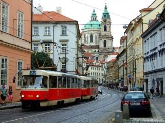 Binecunoscutul tramvai praghez