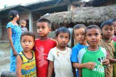Copiii Tharu