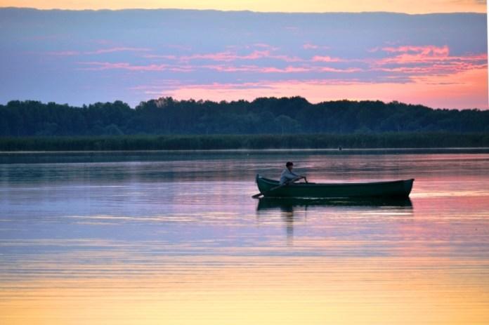 Uncheşul pleacă la pescuit