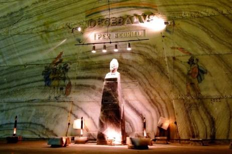 Decebal, sculptură în sare la Mina Unirea