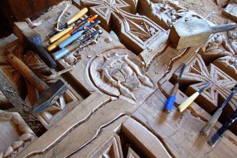 Artă și meșteșug - în atelierul sculptorilor Bârsan