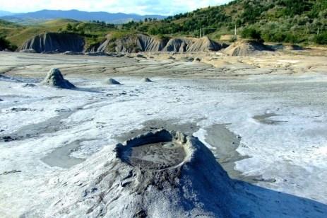 Vulcanii Noroioşi, Berca