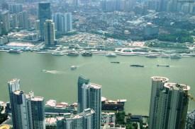 Cursul lui Huangpu, care în curând se va vărsa în Marea Chinei de Est.