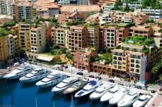 Monte Carlo - cu iahtul la scara blocului